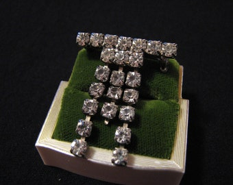 Vintage Silver Tone and Diamond Rhinestone Bar Pin Brooch