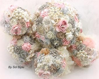 Unique Vintage Mode Art Floral Parure Brooch and Earring Set white floral calla lily.