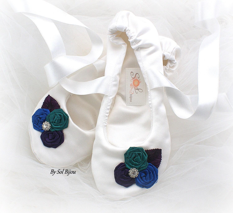 Mariage Satin émeraude Ballet Flats émeraude Satin bleu paon violet avec fleurs nuptiales de douche apparteHommes ts avec des liens de ruban e665fa