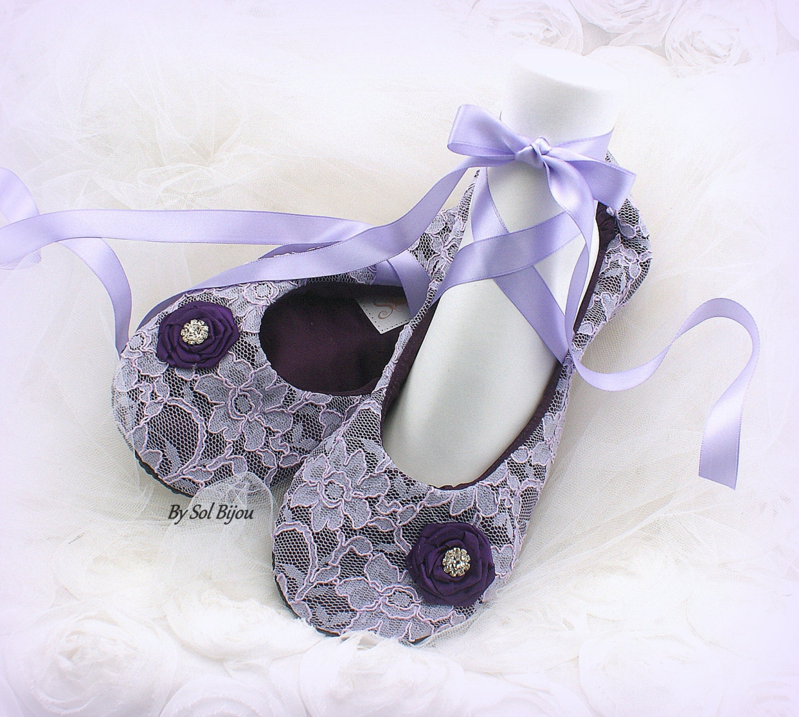 ballet flats, plum, purple, lilac, wedding flats, bridal shower, ballet slippers, reception, maid of honor, shoes, lace flats, v