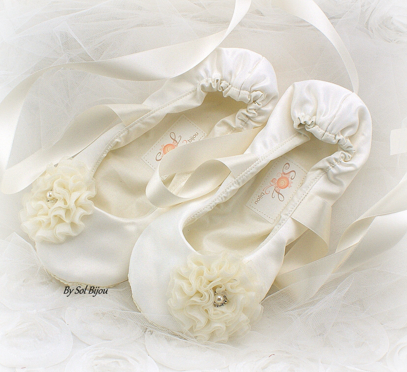 ivory bridal ballet shoes with flower vintage style ballet flats wedding flats
