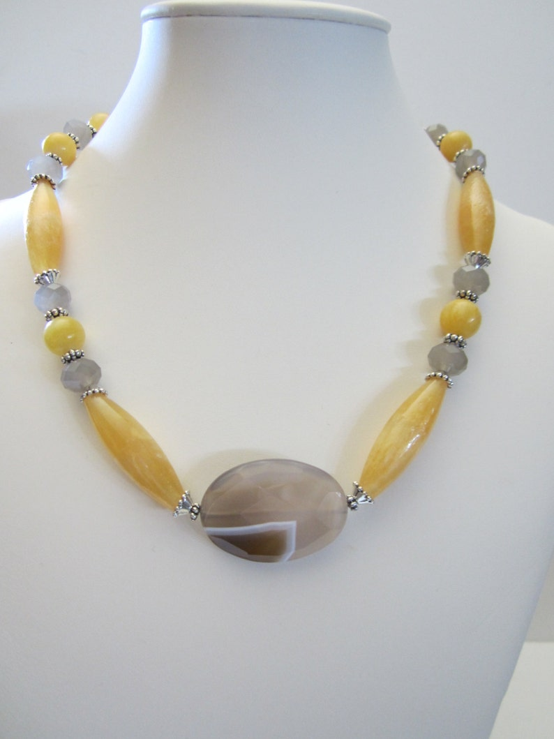 Fall Necklace Resort jewelry Barn Wedding,Handcraft Jewelry Artisan Jewelry,Country Wedding,Winter Yellow Calcite with Agate focal point