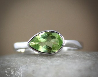 Silver Green Peridot Ring - Side Teardrop - August Birthstone Ring
