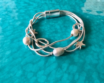 Silver Chain Bracelet with Freshwater Pearls and charms, Magnetic clasp