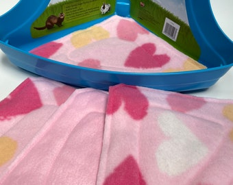 Corner Litter Pee Pads, Set of 4, Ready to ship, Eco Friendly, Pink Paper Hearts