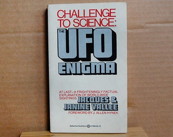 Vintage Book Challenge to Science the UFO Enigma by Jacques Vallee 1970s Flying Saucers Unexplained Mystery Paperback.