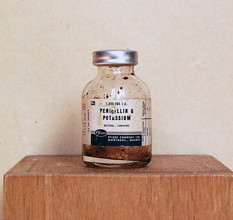 Vintage Medical Doctor Glass Bottle of Penicillin Medicine for Vaccination  with 1966 Potassium Original Label