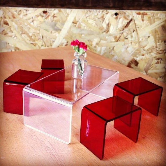 Modern Clear Coffee Table With 4 Red Stools Scale 1:12