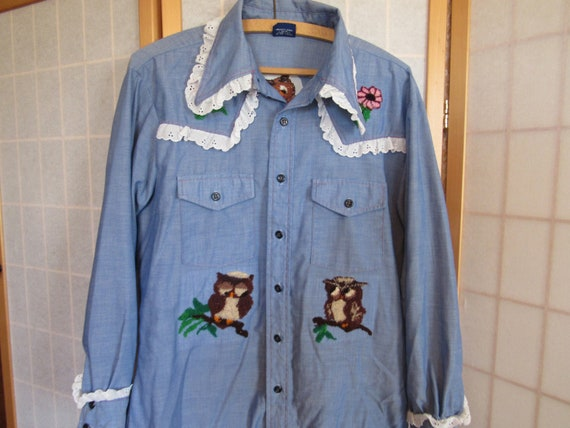 Vtg 1970s Embroidered Chambray denim shirt with Ow