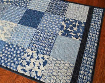 Modern Quilted Table Runner in Blue and White, Dining Table Runner, Coffee Table Runner, Dresser Runner, Wedding Gift, Quilted Tablecloth