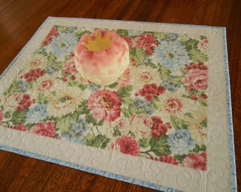 Farmhouse Chic Decor,Quilted Table Topper with Pink Blue and White Flowers, Floral Table Topper, Cottage Chic Decor, Quilted Table Runner