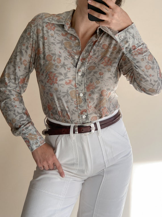 1970s Muted Floral Mesh Collared Shirt