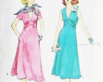 1979 Vintage Pattern Low V Neck Dress Empire Waist Flared Skirt Side Seam Pockets 1970s Vogue 9741 Bust 32.5