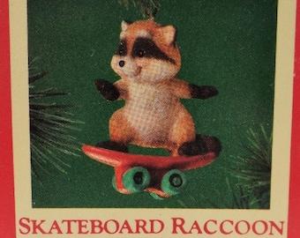 Hallmark Peek a Boo Tree Christmas Ornament 1993 NOS NRFB Pinecone Owl Raccoon Beaver Skunk