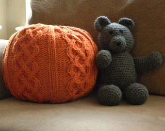 Chunky Cable knit Pouf