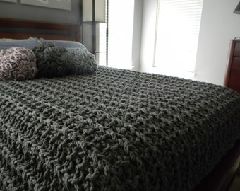 """96"""" x 84"""" Giant Super Chunky Knit Blanket - Queen size - Pick your color"""