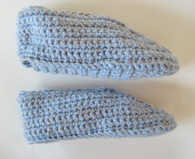 Kid/'s Slippers Bedroom Slippers Youth Size 1 House Shoes Blue and Grey Crocheted Children/'s Slippers