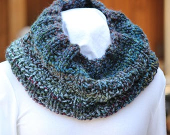 Chunky Blue Cowl, Hand Knit Cowls, Chunky Blue Scarf, Blue Scarves, Wool Cowls, Blue Rib Knit Infinity Scarf