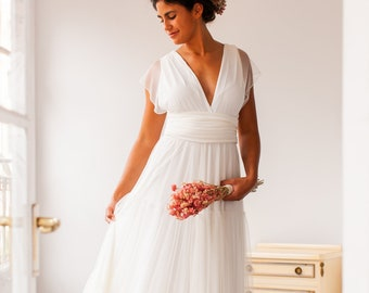 Bohemian and Effortless wedding dress with tiered A-line skirt in flowing tulle, deep v-neck boho bridal dress vintage tiered Maxi Dress