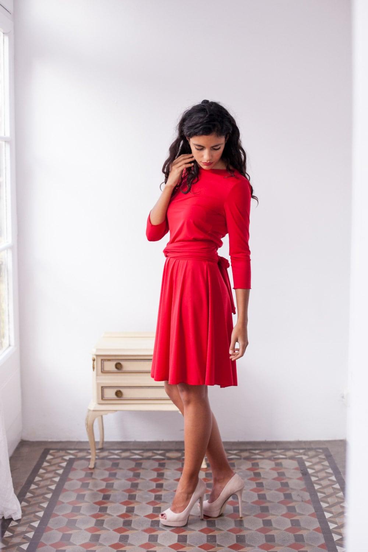 Kurzes rotes Kleid, rotes Wickelkleid, rotes Kleid mit Ärmeln,  Brautjungfernkleid, rotes Partykleid, Wandelbares Kleid, 9/9 Ärmelkleid,  langarm