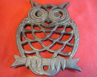 Cast Iron Owl Trivet Made in Taiwan, Vintag 70's Industrial, Owl Decor and Kitchen Dining and Serving, Country Owl, Cast Iron Owl, Retro