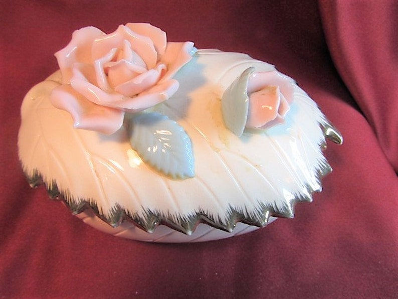 White and Pink Raised Rose Porcelain Tilso Jewelry Box Tilso Japan Women/'s Vintage Jewelry Storage Pink 3 D Vintage Rose Trinket Box
