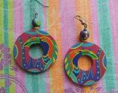 80s tropical toucan earrings vintage hand painted hoop dangles