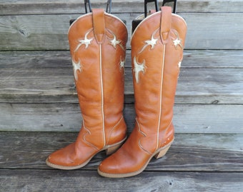 vintage tall cowboy boots 1970s wrangler cream inset cuban heel 6