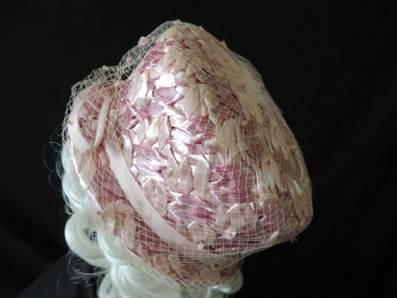 1960s pink pillbox hat straw netted veil cap Vick… - image 4