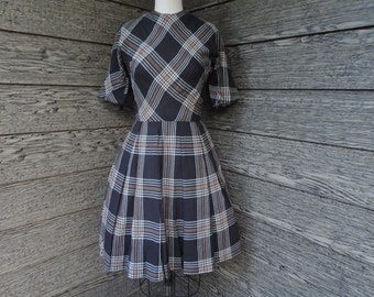 1950s plaid day dress black checkered fit and flare frock small