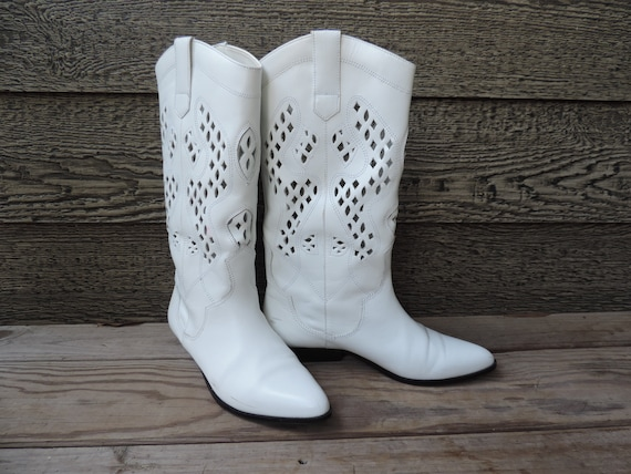 vintage white cowboy boots 1980s perforated leathe