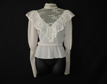 ivory lace prairie blouse 1970s victorian revival mutton sleeve small