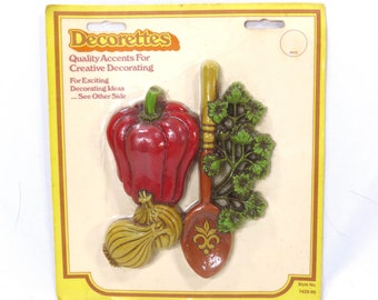 Vintage NOS Decorettes Red Pepper, Garlic, Parsley and Spoon Kitschy Kitchen Wall Hanging