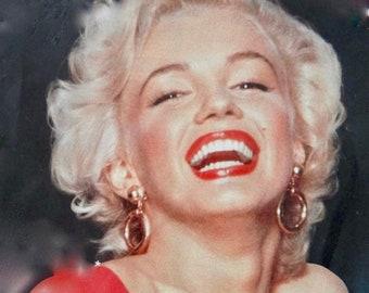 Crown Trifari Gold Hoop Earrings Vintage Clip Marilyn Monroe Circle drop large Authentic earrings