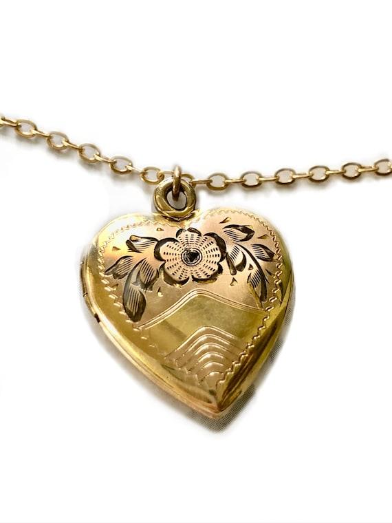 Vintage 1940s Heart Locket 12K Gold Etched Hand En
