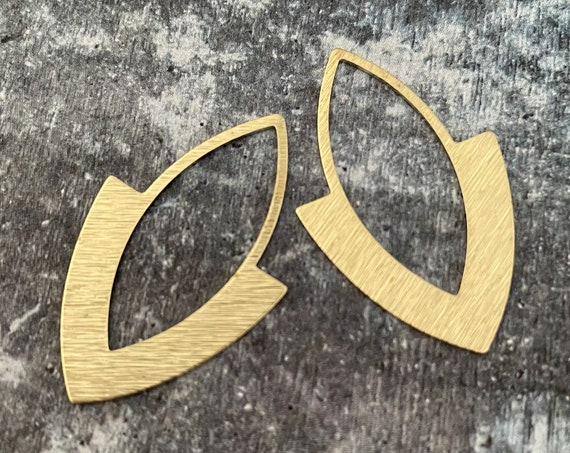 3086 - Brass Charms, Raw Brass Earring Findings. Earring Finds. Wholesale earring findings for jewelry making parts.
