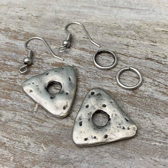 8033 - Hammered Stud - Wholesale earring findings for jewelry making parts.Best gift for her.