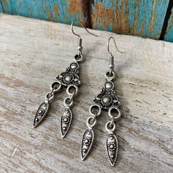 5370 - Bohemian jewelry boho earrings ethnic earrings dangle earrings statement earrings gypsy earrings tribal jewelry tribal earrings