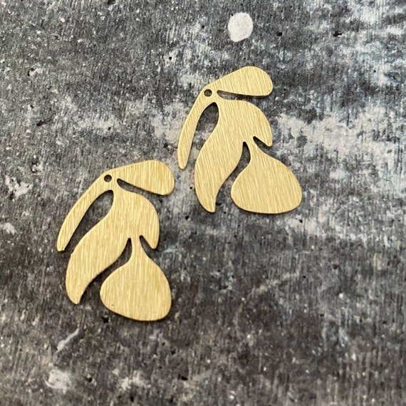 3091 - Brass Charms, Raw Brass Earring Findings. Earring Finds. Wholesale earring findings for jewelry making parts.