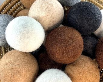 Alpaca dryer balls - set of 4 in gift bag
