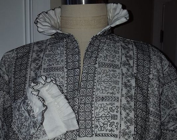 PLUS SIZED Women's Fitted Renaissance Blackwork Smock, Elizabethan, Tudor, Costume, Shirt (Made to Order)