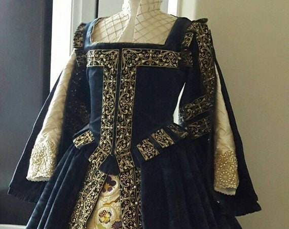 Women's Gown with Spanish Sleeves PLUS SIZES AVAILABLE Custom Embroidery, Elizabethan Dress, Costume,  (Made To Order)  Labor Fees