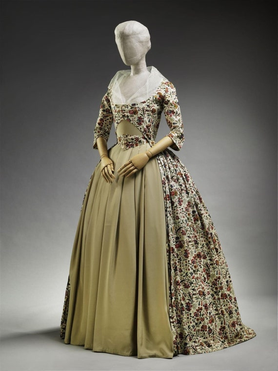 Women's Plus Sized 18th Century Zone Front Dress, Rococo French  Robe a la Polonaise Gown - Custom, Made To Order (FABRIC INCLUDED)