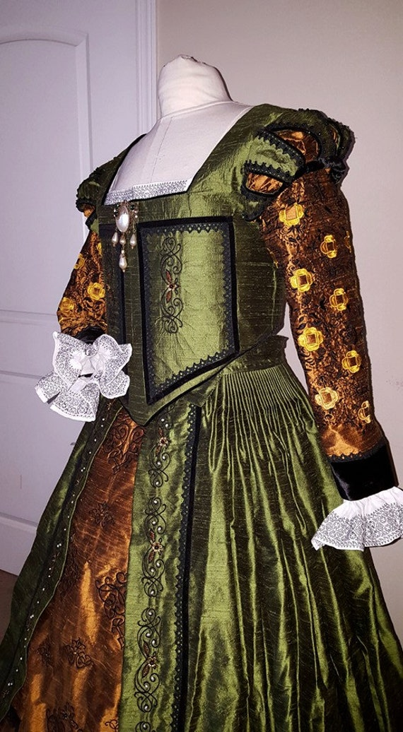 Women's PLUS SIZED Renaissance Dress, Elizabethan, Tudor, Costume, Bridal Gown (Custom Made To Order) - Labor Fees