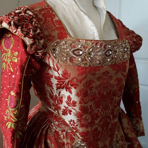 PLUS SIZED Renaissance Dress, Elizabethan, Tudor, Costume, Bridal Gown  -  (Made To Order) Labor Fees