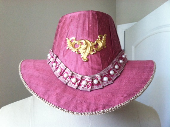 Unisex Renaissance, Elizabethan Slanted Riding Hat,  w gold finding, and pleated band (MADE TO ORDER)