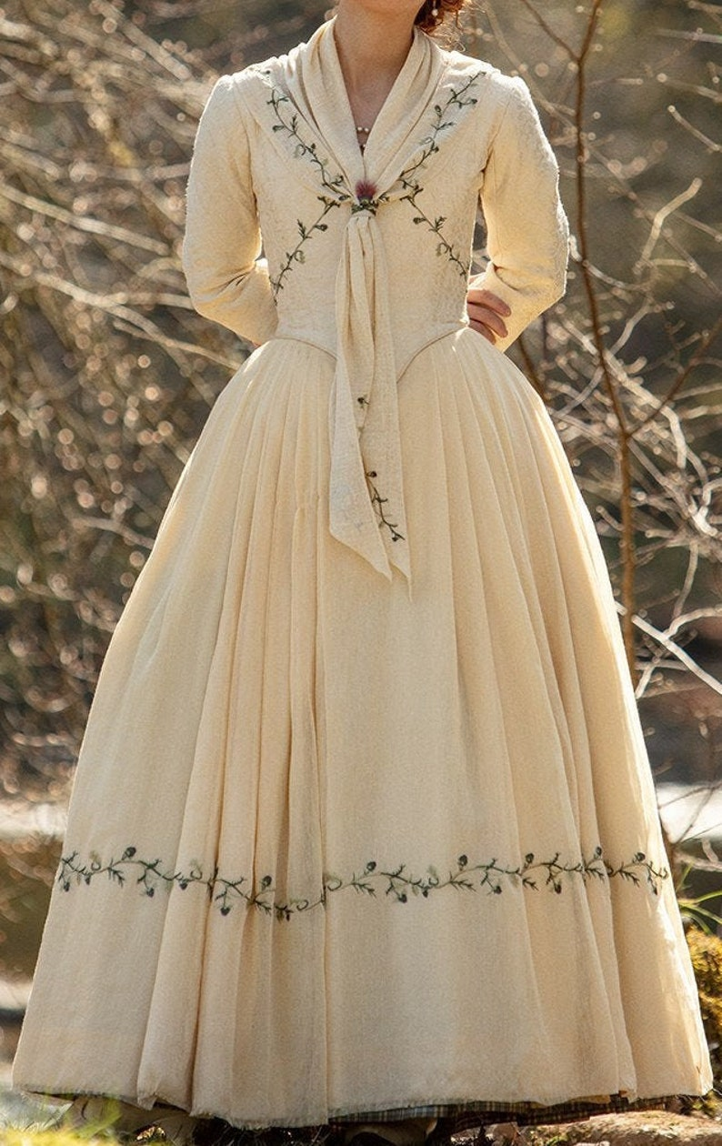 Bree Sea. 5 Outlander Wedding Dress