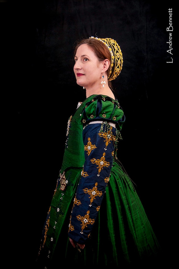 Women's Renaissance Dress, Tudor, Elizabethan, Costume, Bridal Gown (Made To Order) - - LAY AWAY AVAILABLE