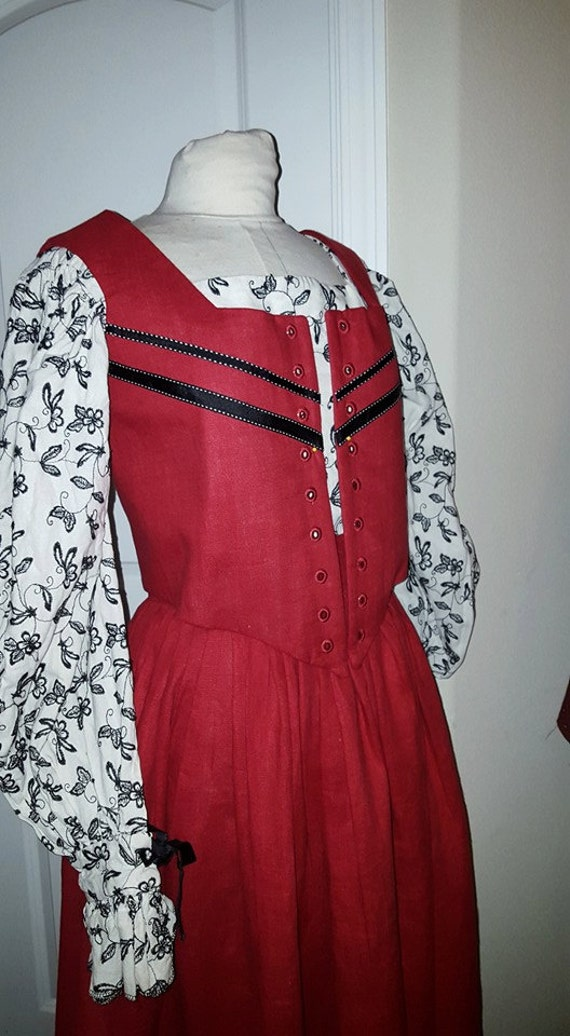 3 Piece Elizabethan Kirtle and Sleeves, Renaissance Dress, Custom Drafted (Made To Order) INCLUDES FABRICS
