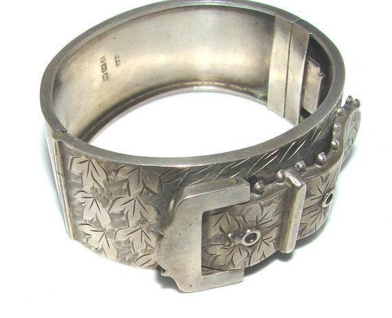 Victorian The Garter Belt Buckle 925 Silver Sterling Engraved Hinged Bangle Cuff Bracelet.